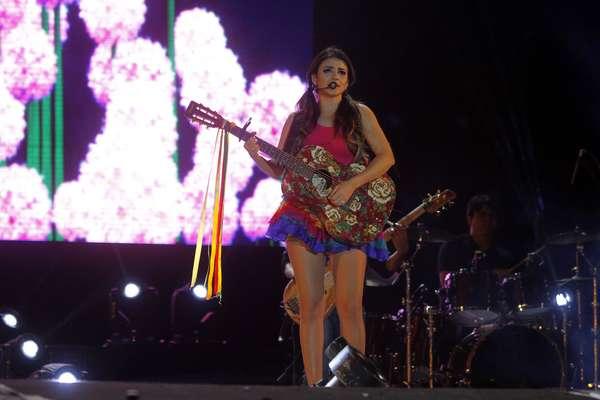 A cantora Paula Fernandes foi a grande atração da noite deste sábado (24) na Festa do Peão de Barretos