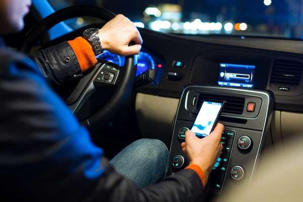 Ficar esperando carro com injeção eletrônica esquentar só aumenta o consumo de combustível