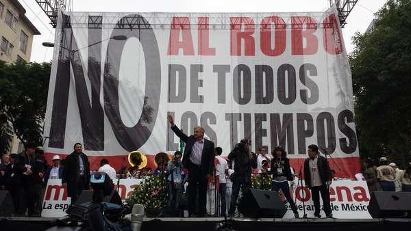Durante la Asamblea Nacional de Morena en Avenida Juárez y Balderas, López Obrador advirtió que será en las calles y no en el Congreso donde se logre frenar las reformas impulsadas por el Ejecutivo.
