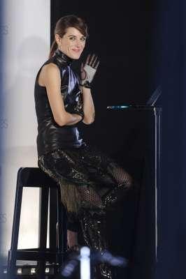 Raquel Sánchez Silva , con un total 'look' de Gucci, reaparecía tras el fallecimiento de su marido. La presentadora ejerció de maestra ceremonias en la retransmisión en directo que realizó Vogue a través de su página web.