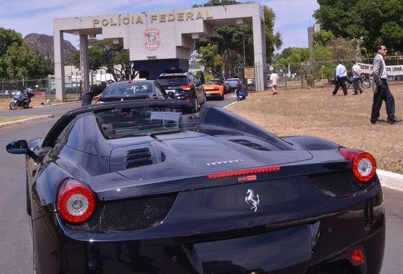 Operação apreendeu diversos carros de luxo, incluindo uma Ferrari 458 Spider, uma Lamborghini Gallardo Spyder e uma Mercedes-Benz SLS