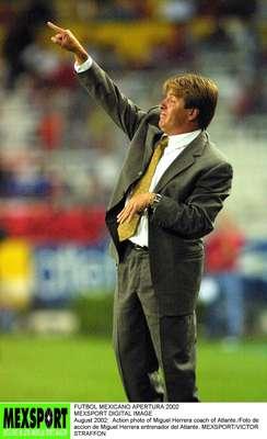 Miguel Herrera inició su carrera como entrenador al asumir la dirección técnica de Atlante, luego de ser auxilar de Carlos Reinoso