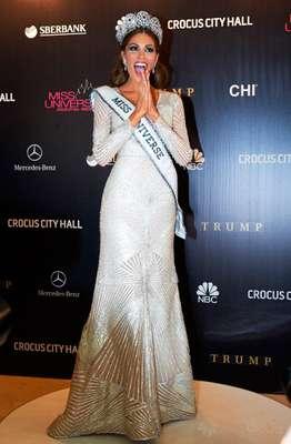 La nueva dueña de la corona de Miss Universo, Gabriela Isler, Miss Venezuela, manifestó su emoción en el primer día de su reinado