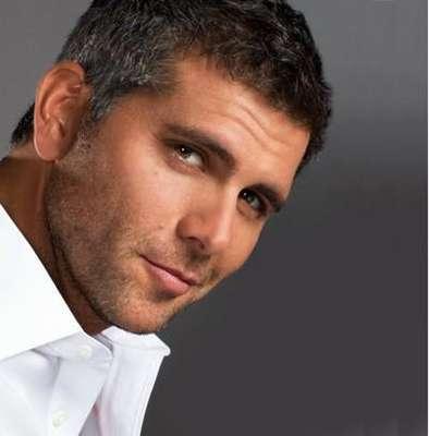 Christian Meier, es el nombre más citado cuando se pide mencionar al hombre más guapo del Perú. Razones le sobran al actor, porte varonil, sonrisa sexy, talento innato ¡Nos encanta!
