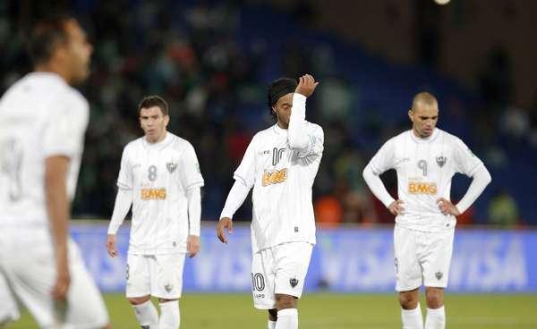 Jogadores do Atlético-MG lamentam derrota para o Raja Casablanca; equipe brasileira foi eliminada na semifinal do Mundial de Clubes