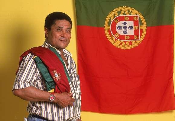 Considerado o maior jogador português de todos os tempos, Eusébio morreu neste domingo em Lisboa, após sofrer uma parada cardiorrespiratória