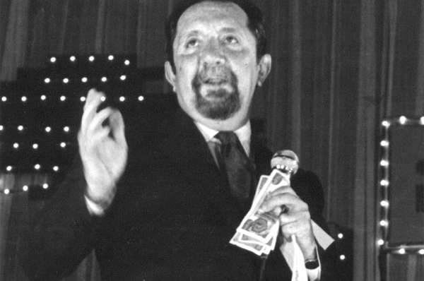 Fernando González Pacheco pasó más de medio siglo como presentador y actor.