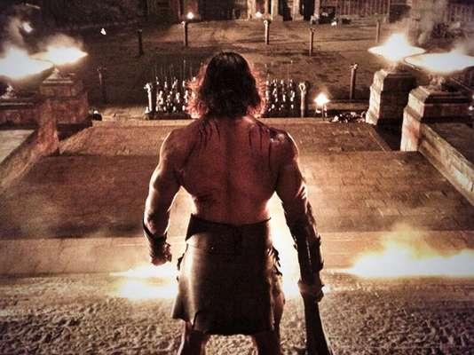 Dwayne Johnson 'La Roca'es la perfecta encarnación del hijo de 'Zeus'en 'Hercules: The Thracian Wars' (2014), dirigida porBrett Ratner.