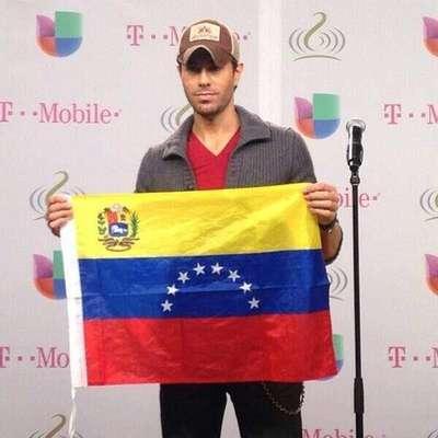 """""""A toda la gente de Venezuela, sobre todo mucha paz. Lo que está pasando en Venezuela es catastrófico"""", manifestó el cantante Enrique Iglesias."""