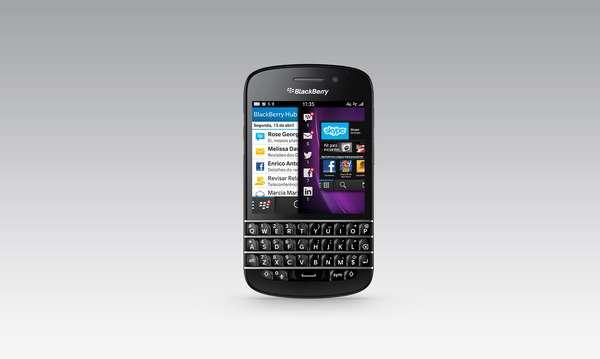 17º - Blackberry Q10 - Este terminal aún usa un teclado físico que es preferido por los que odian las interfaces touch de la mayoría de los smartphones. Una joya de BlackBerry