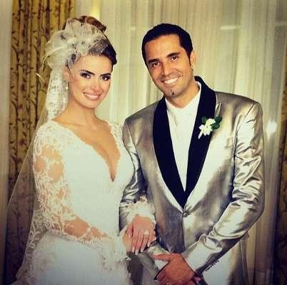 Rayanne Morais e Latino casaram-se na noite de quarta-feira (12) em uma cerimonia luxuosa, que aconteceu no hotel Copacabana Palace, no Rio de Janeiro