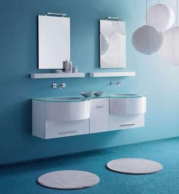En un ba o s que son tiles los espejos esto sin contar - Gimnasio paredes ...