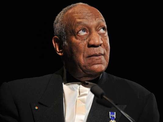 Bill Cosby: el comediante se enfrentó en 2014 a más de 20 acusaciones de abuso sexual, todas del pasado. Cosby se dice inocente;y aunque las autoridades no lo han procesado por el delito de violación, el mundo del entretenimiento lo ha castigado cancelando sus shows. Las historias de abuso inician con drogas, las supuestas víctimas aseguran haber sido drogadas antes del abuso sexual, una modelo aseguró que hasta le chupó los pies.