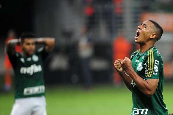 Palmeiras e Atlético-MG fizeram um jogo com muitas emoções no fim, que terminou 2 a 2, pelo Campeonato Brasileiro, em São Paulo