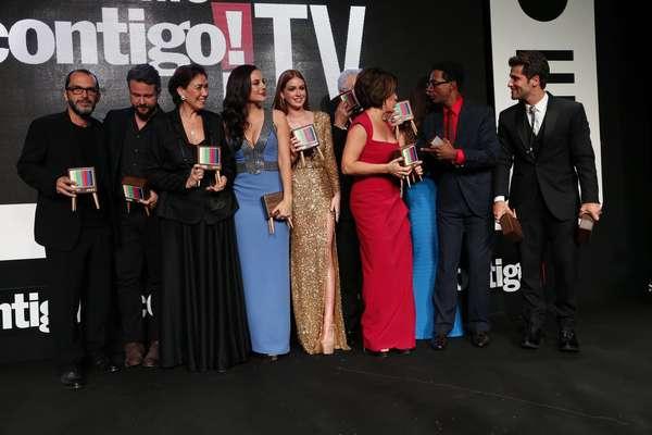 Atores da TV se reuniram no Rio de Janeiro para a 17ª edição do Prêmio Contigo de TV. A novela Império foi a grande vencedora da noite ao vencer seis categorias.