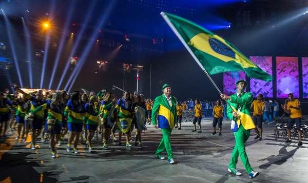Nadador Thiago Pereira liderou o grupo de atletas brasileiros na abertura do Pan