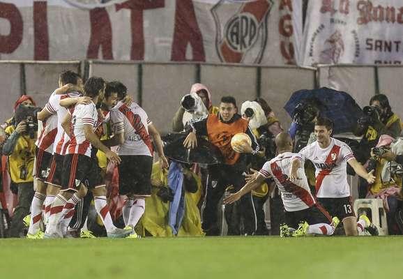 River comemora vitória diante do seu torcedor no Monumental de Núñez