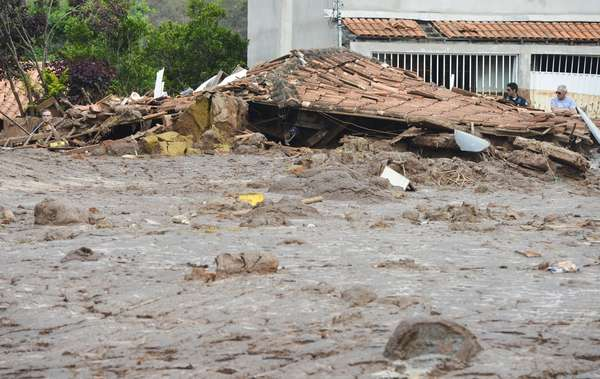 Veja como está Bento Rodrigues após rompimento de barragens