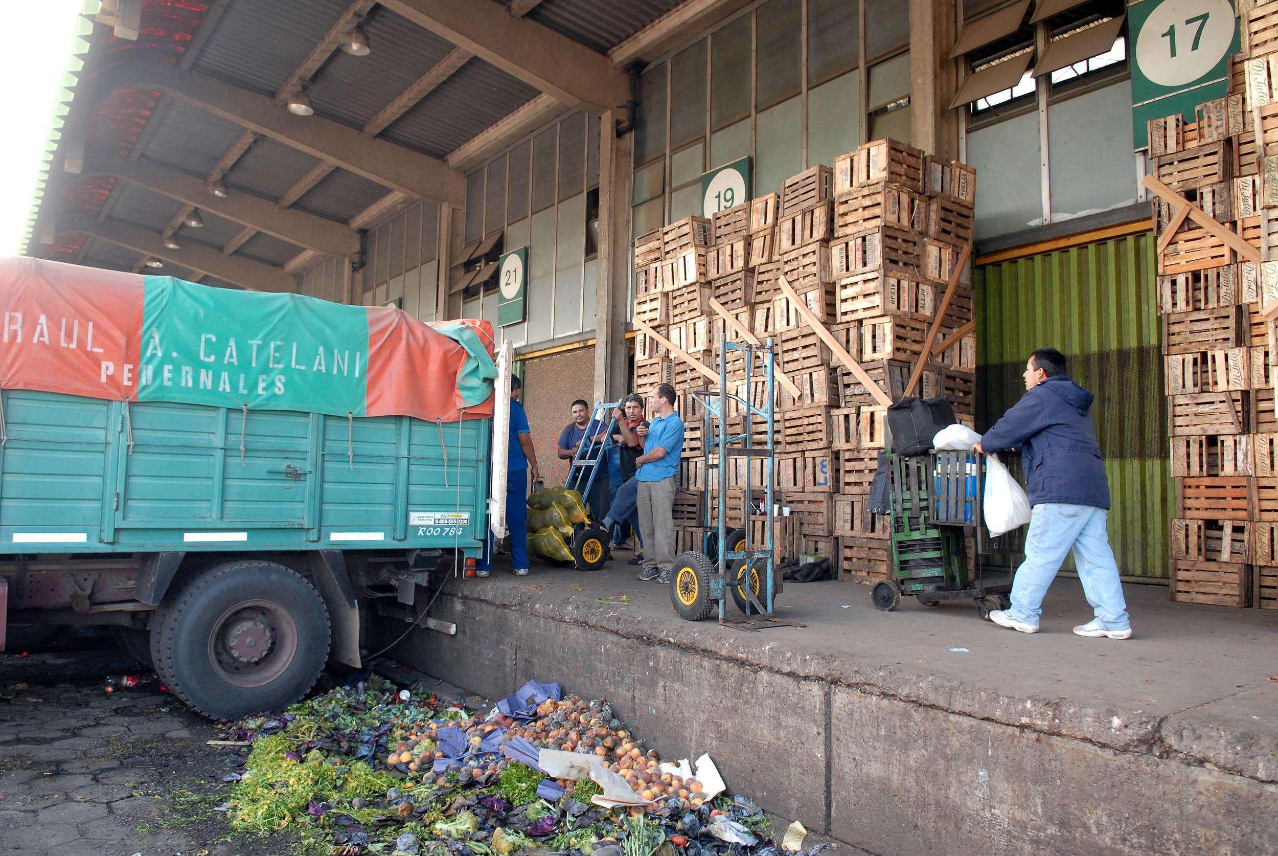 El Mercado Central se prepara para su arriba en el fútbol Foto: Télam