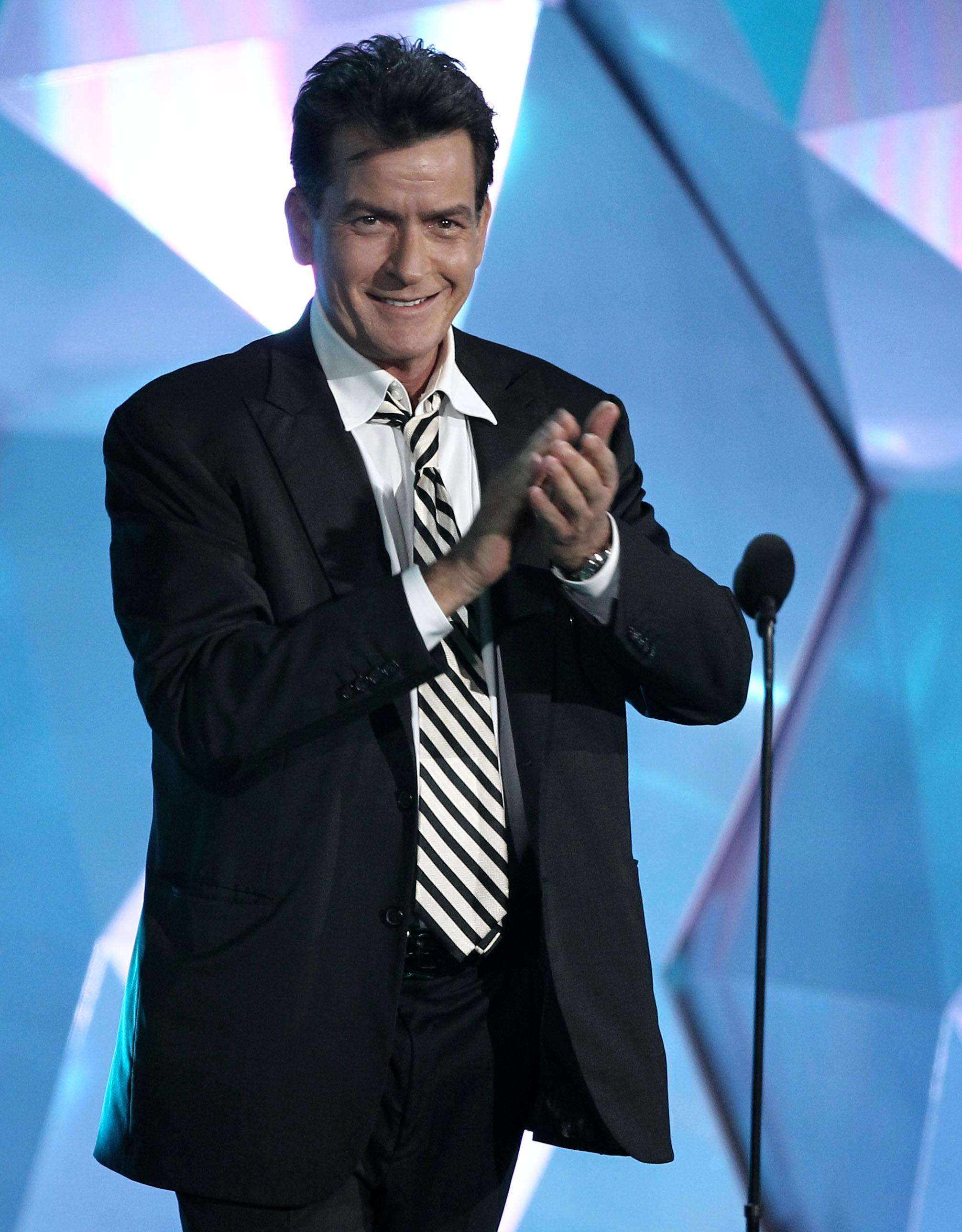 Charlie Sheen is seen onstage at the MTV Movie Awards on Sunday, June 3, 2012 in Los Angeles. (Photo by Matt Sayles/Invision/AP) Foto: Matt Sayles/MATT SAYLES/INVISION/AP
