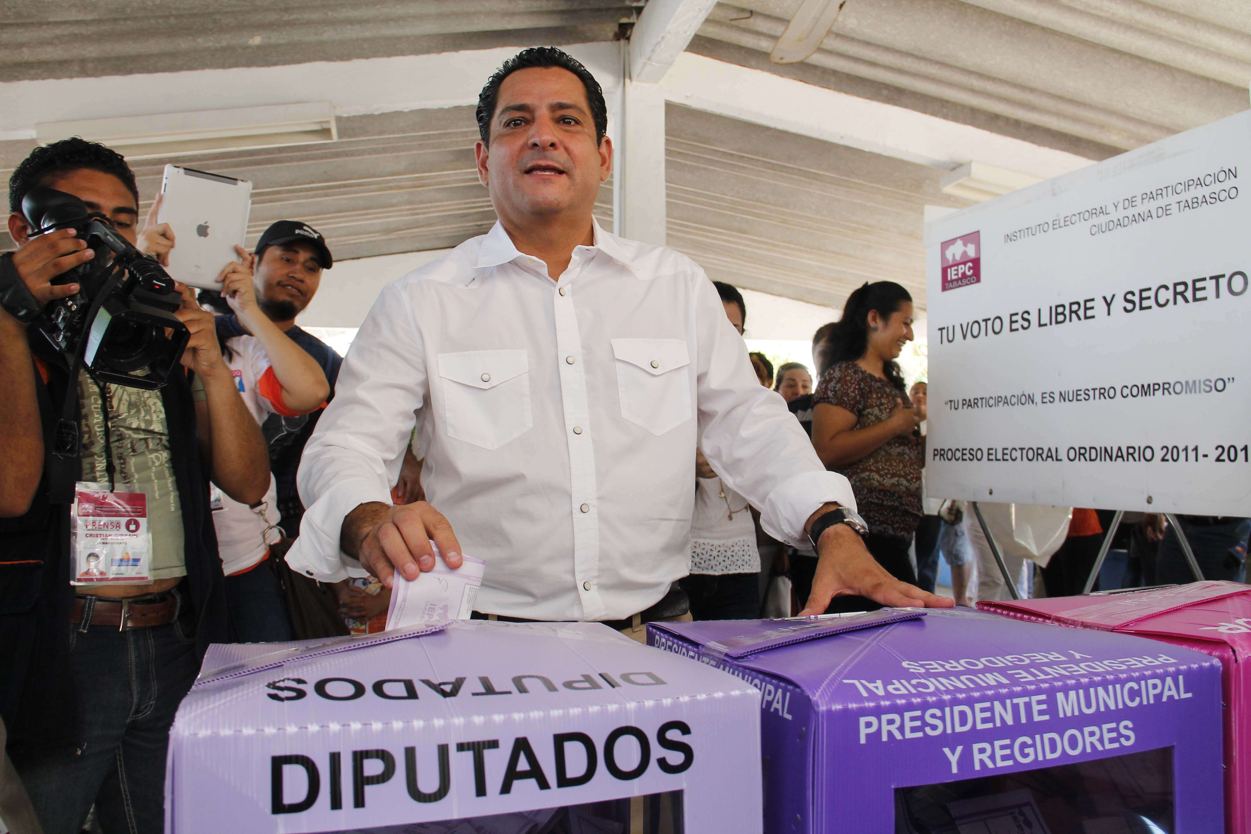 PRI y PRD se asumen ganadores en Tabasco