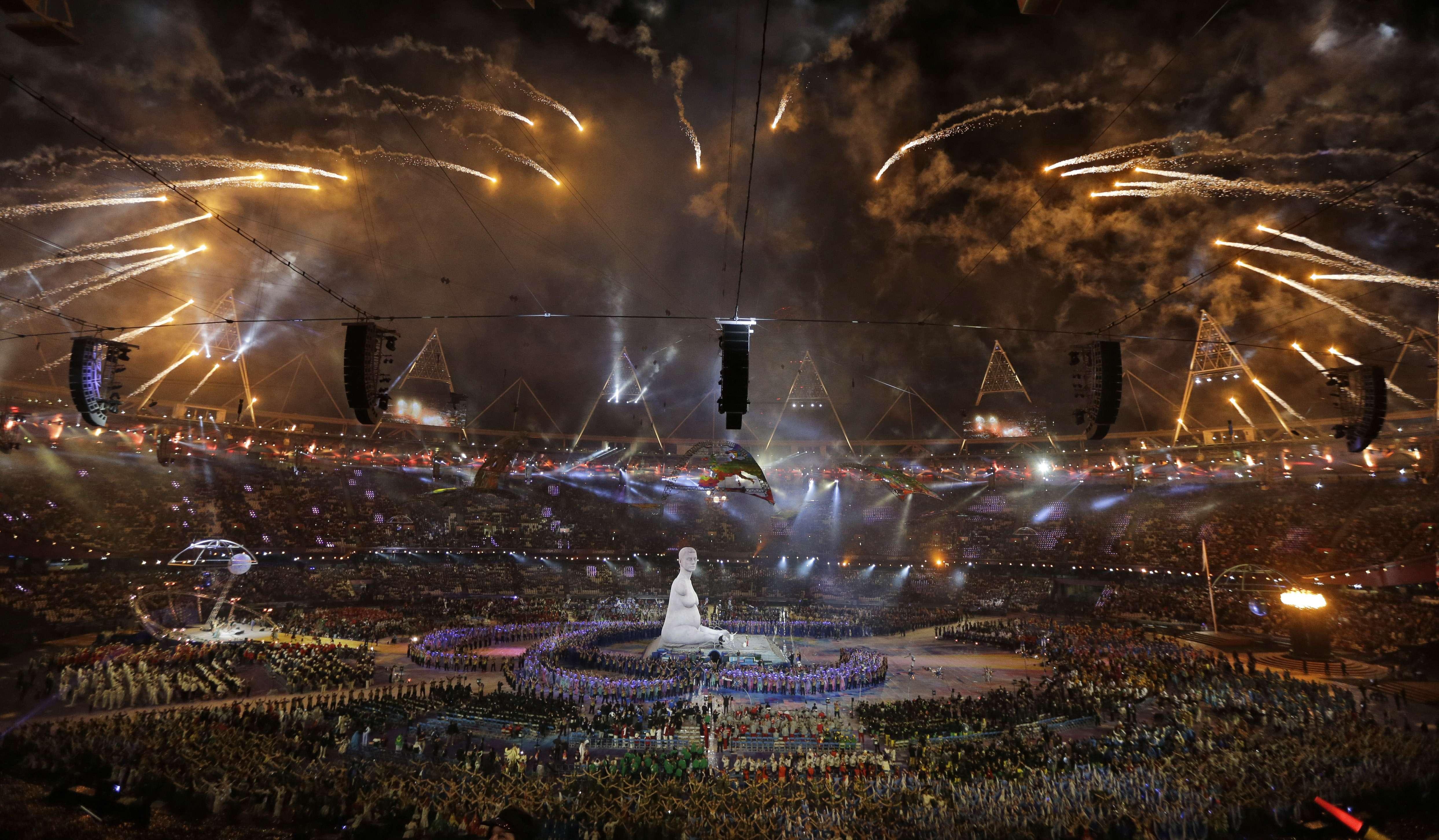 Coldplay encabeza el espectáculo de la ceremonia de clausura