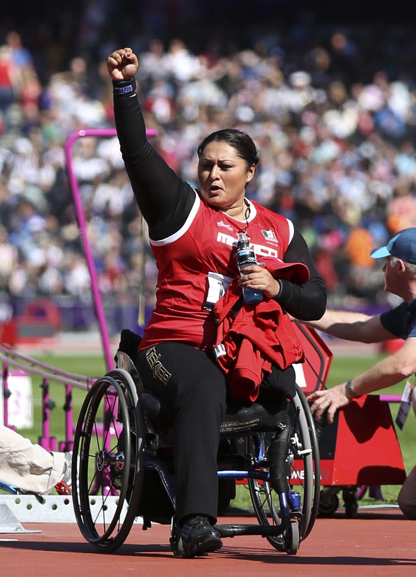 Con récord mundial, mexicana gana oro en lanzamiento de peso