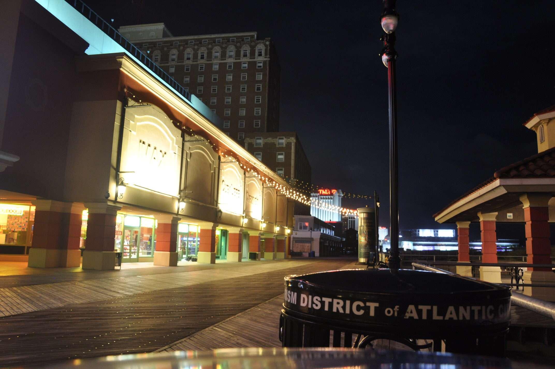 Atlantic City, de las luces neón a la oscuridad del huracán