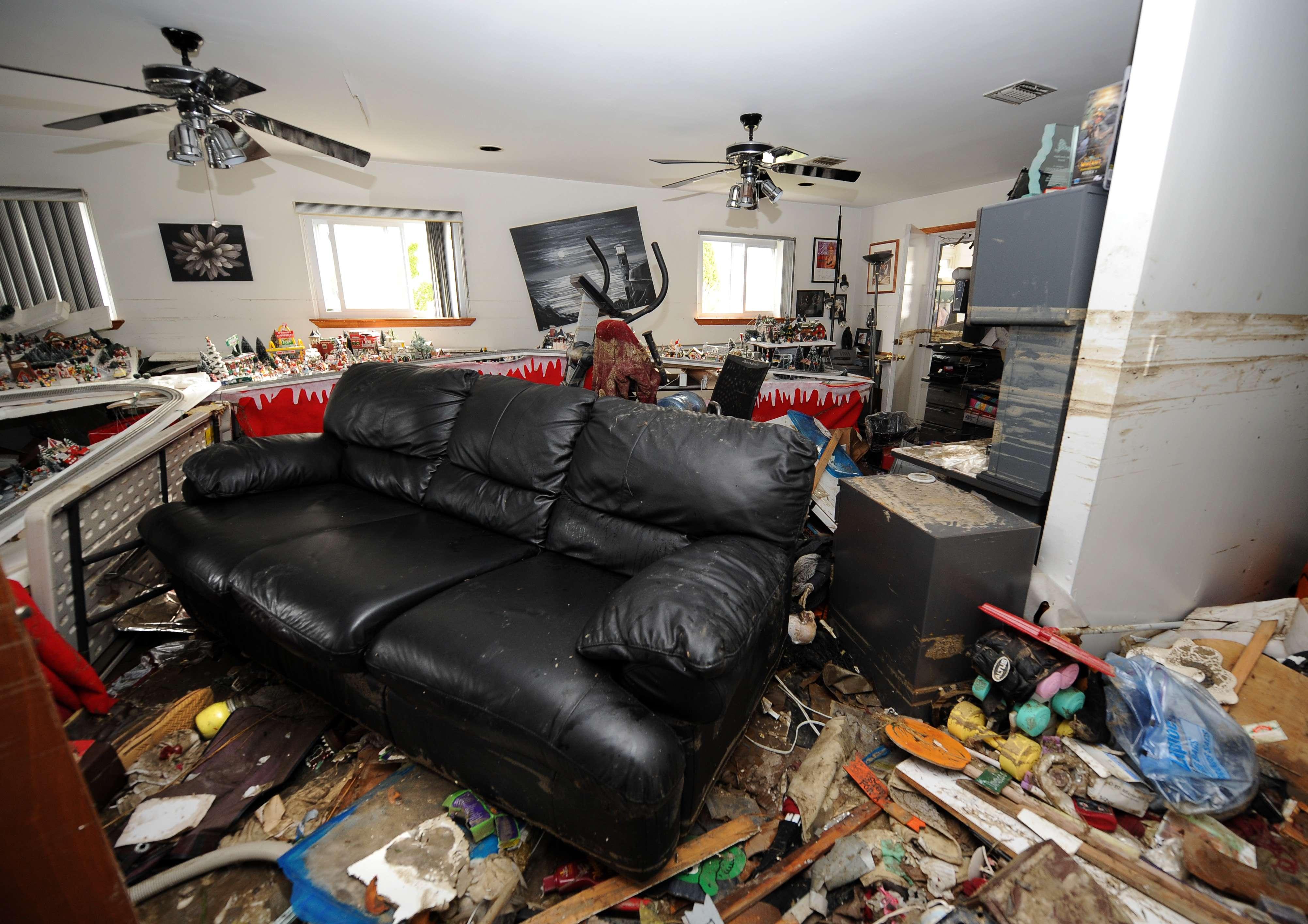 Aumenta caos, devastación y muerte tras el paso de 'Sandy'