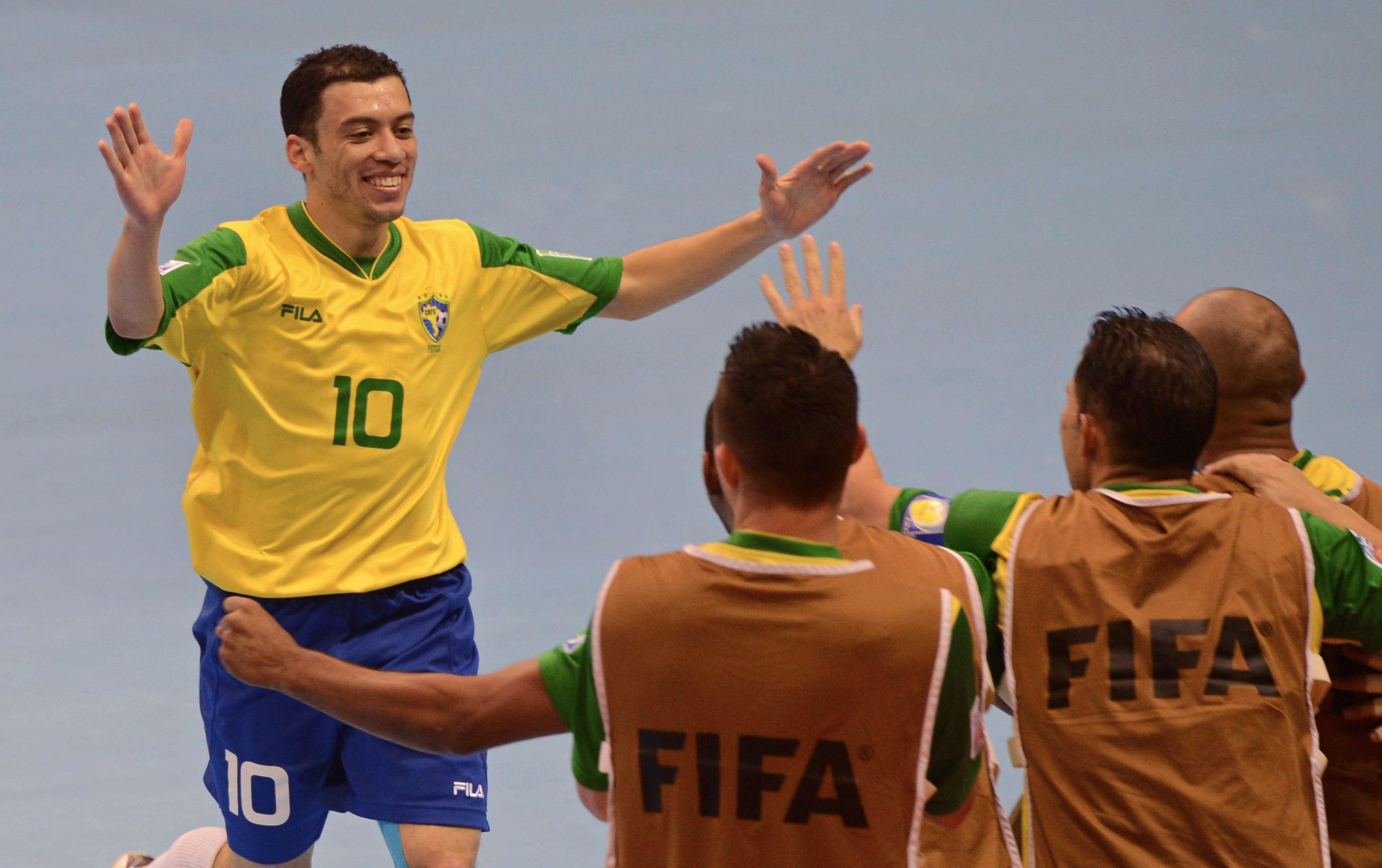 Dupla brasileira concorre à Bola de Ouro do Mundial de ...