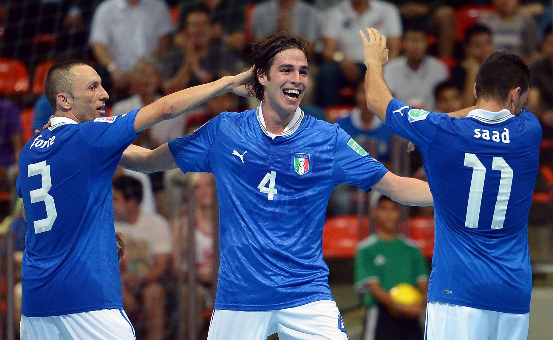 Itália domina segundo tempo, bate Colômbia e conquista ...