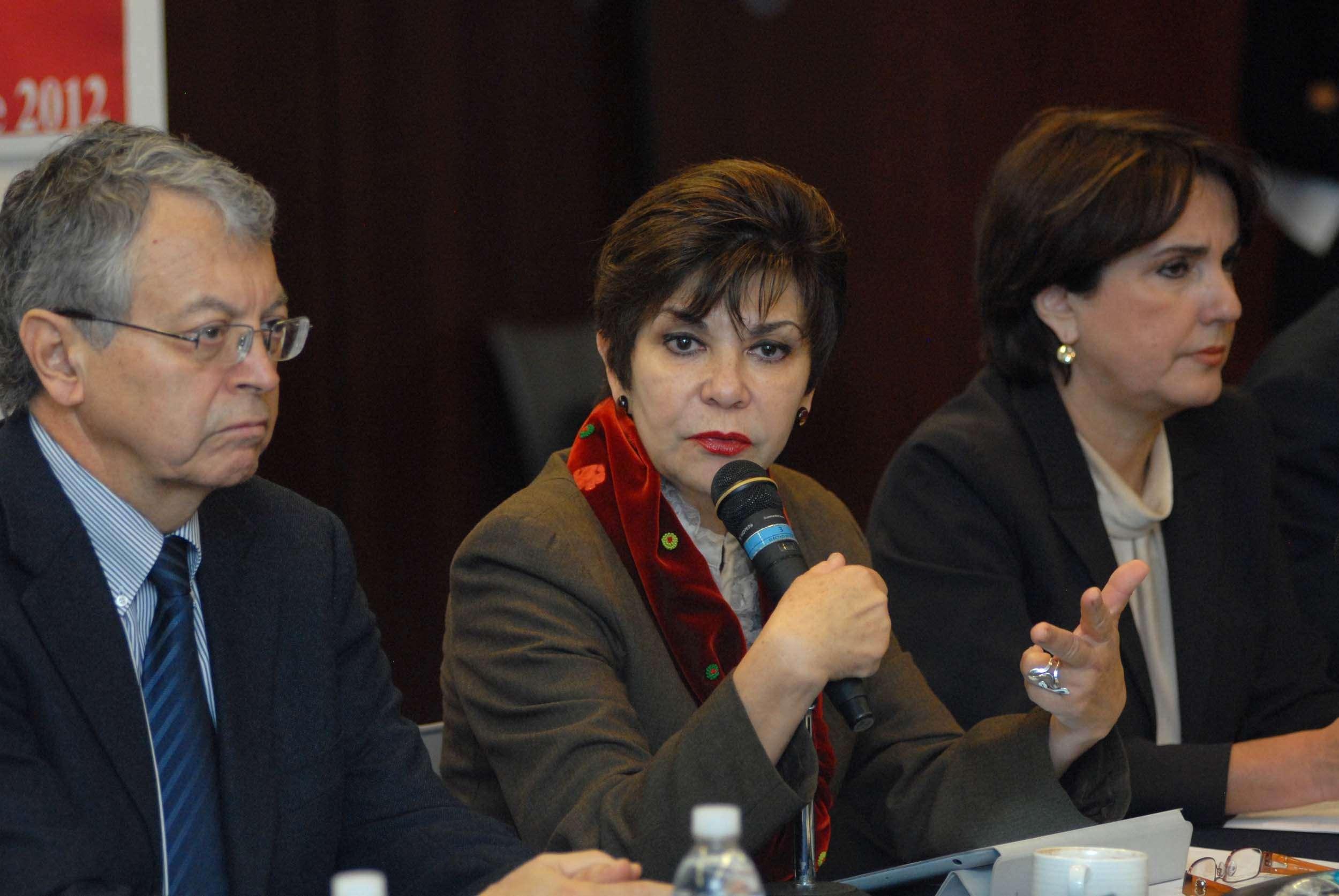 Prensa Senadora Angélica de la Peña