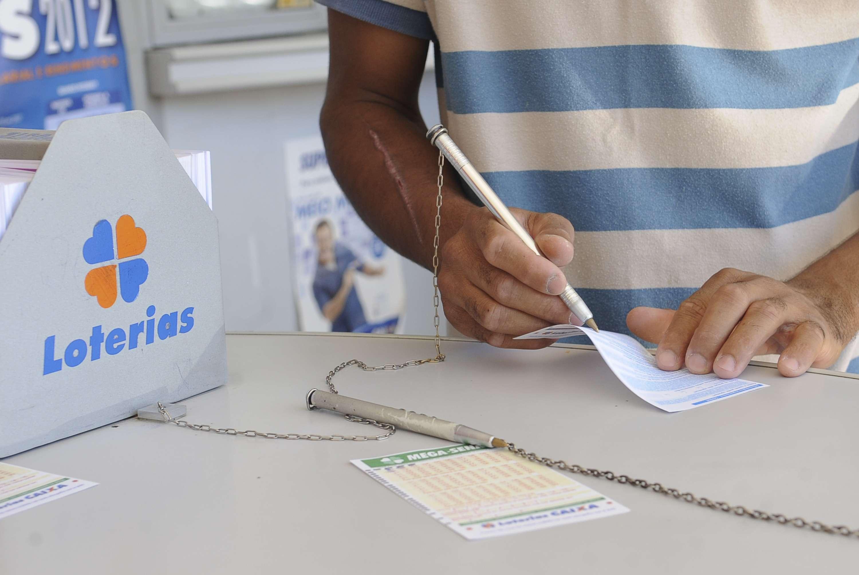 Apostas para a Mega da Virada podem ser feitas nas casas lotéricas de todo o País Foto: Elza Fiúza/Agência Brasil