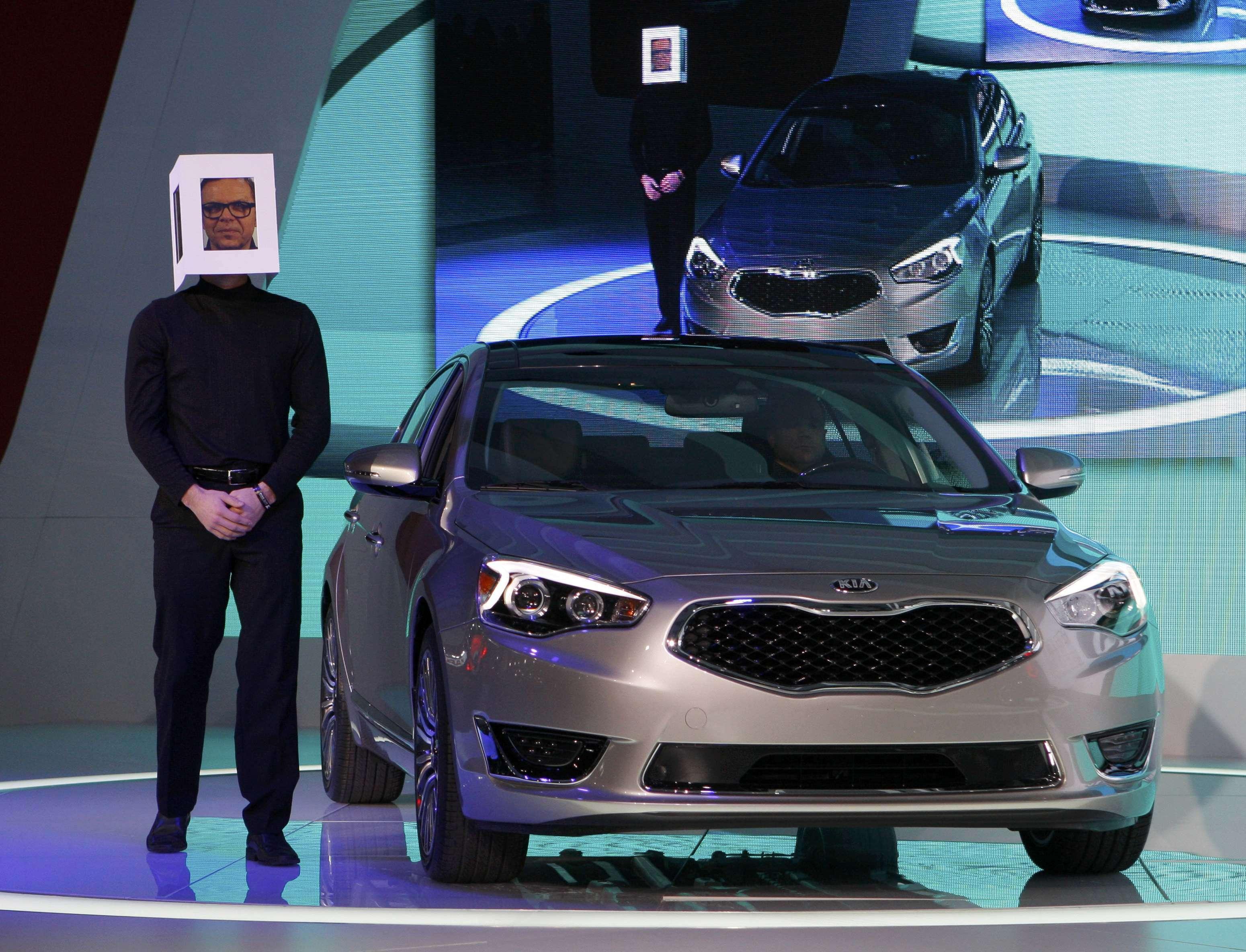 Kia mostra sedã para concorrer com Audi, Mercedes e BMW