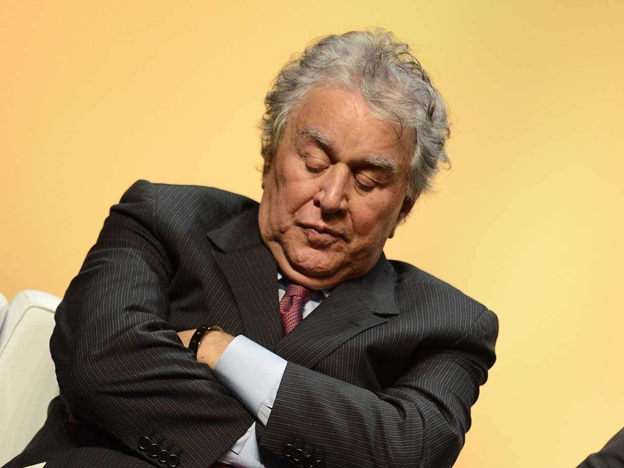 Segunda-feira, 14 de janeiro: Juvenal Juvêncio, presidente do São Paulo, ameaça um cochilo em evento de apresentação do Movimento por um Futebol Melhor, em São Paulo Foto: Ricardo Matsukawa/Terra