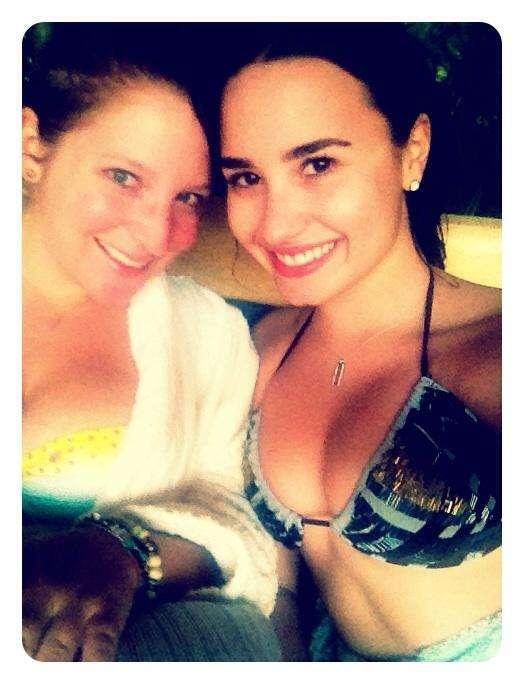 Twitter Demi Lovato