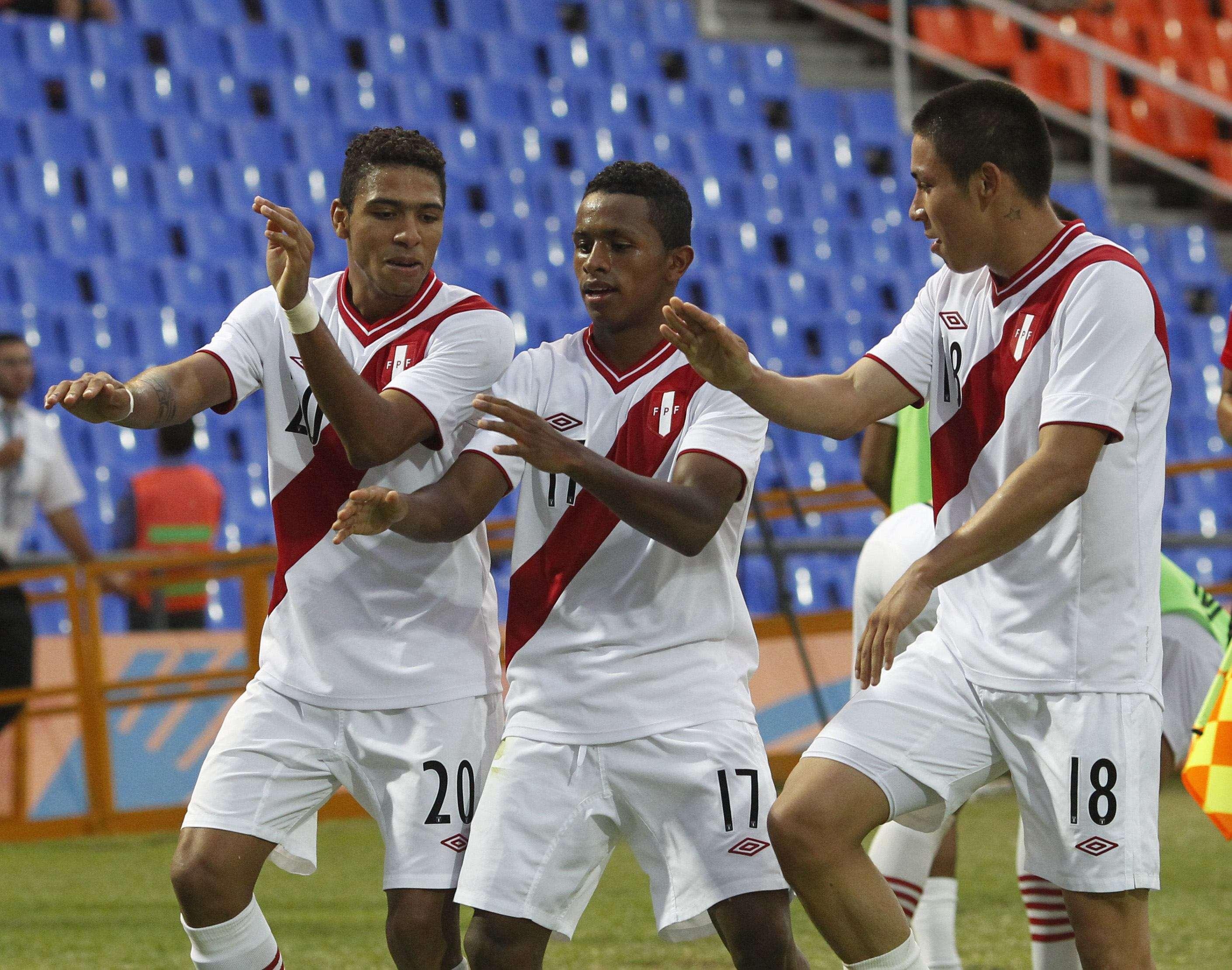 """DT de Perú: """"Ante Chile, jugaremos con el corazón"""""""