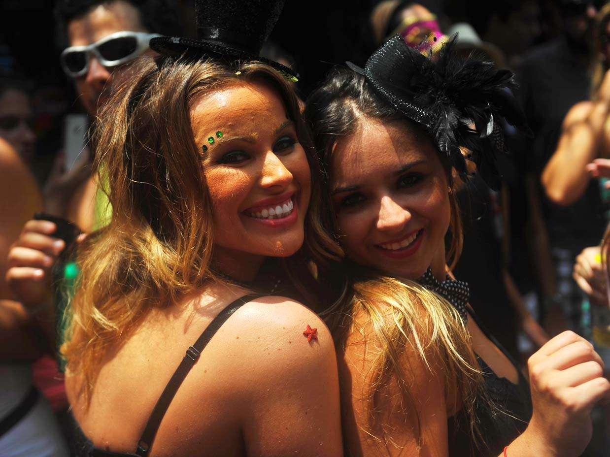 Folionas investem nos acessórios para pular o Carnaval Foto: Daniel Ramalho/Terra