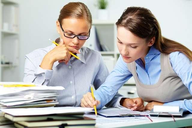 É recomendável a ajuda de um profissional especializado para elaborar a declaração do Imposto de Renda Foto: Shutterstock