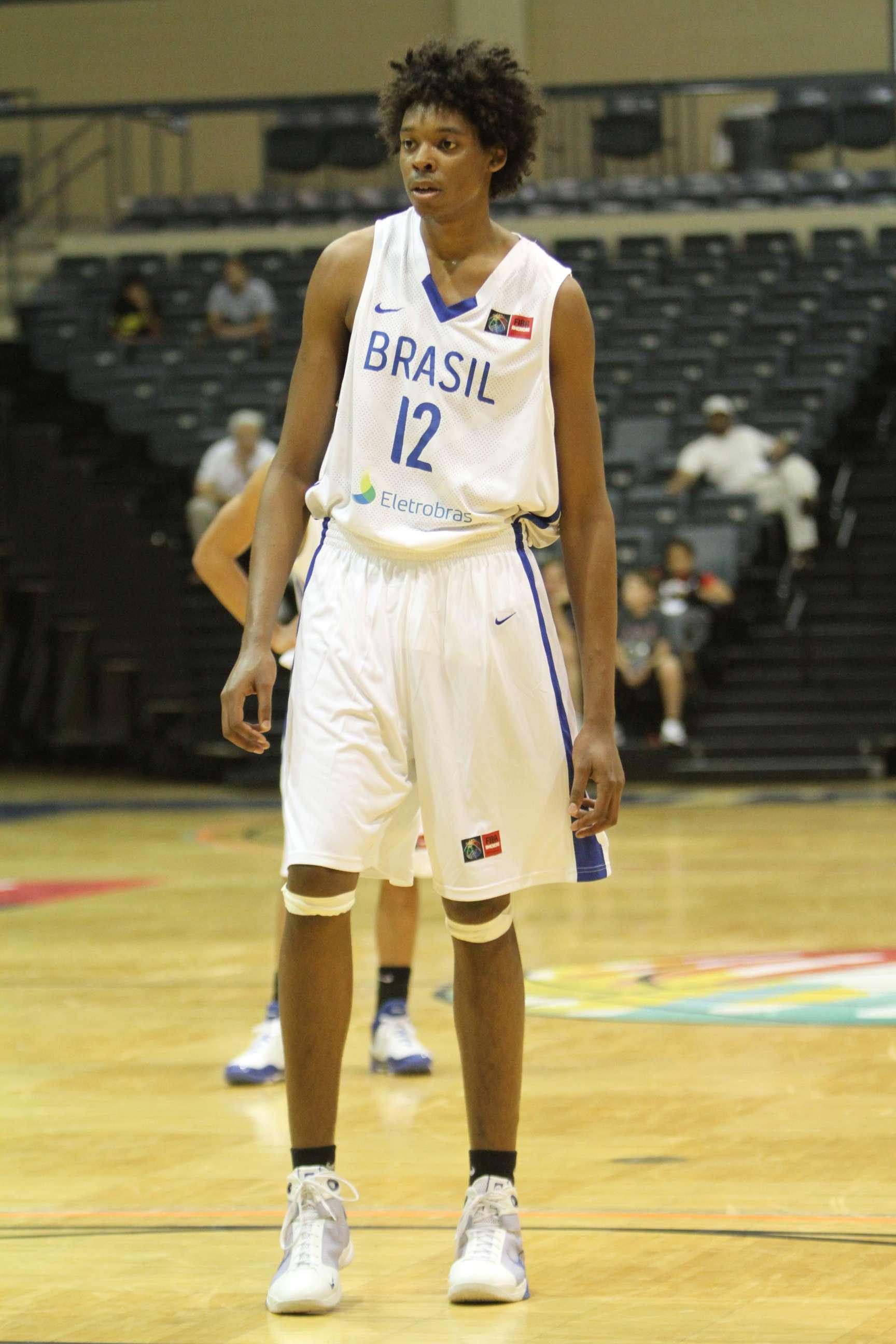 Brasileiro Lucas Bebê foi confirmado no draft de 2013 da NBA Foto: Divulgação