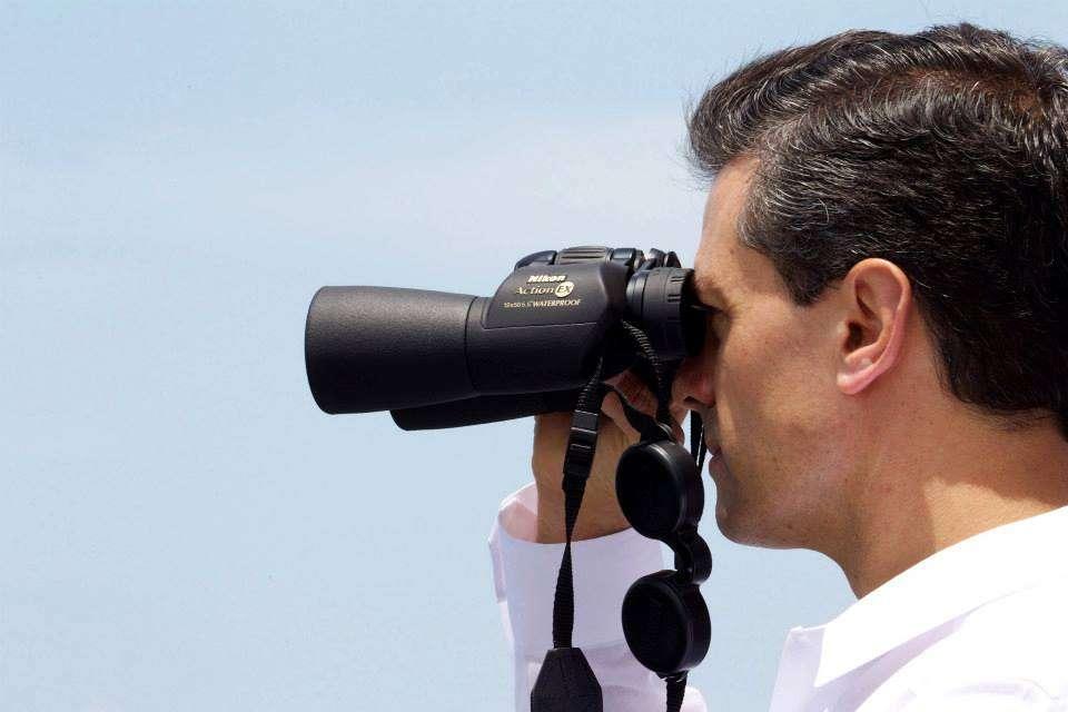 Puerto Chiapas, México.- Peña Nieto encabeza ceremonia del Día de la Marina. Lo acompañan Rosario Robles y Osorio Chong. Foto: Especial/Terra