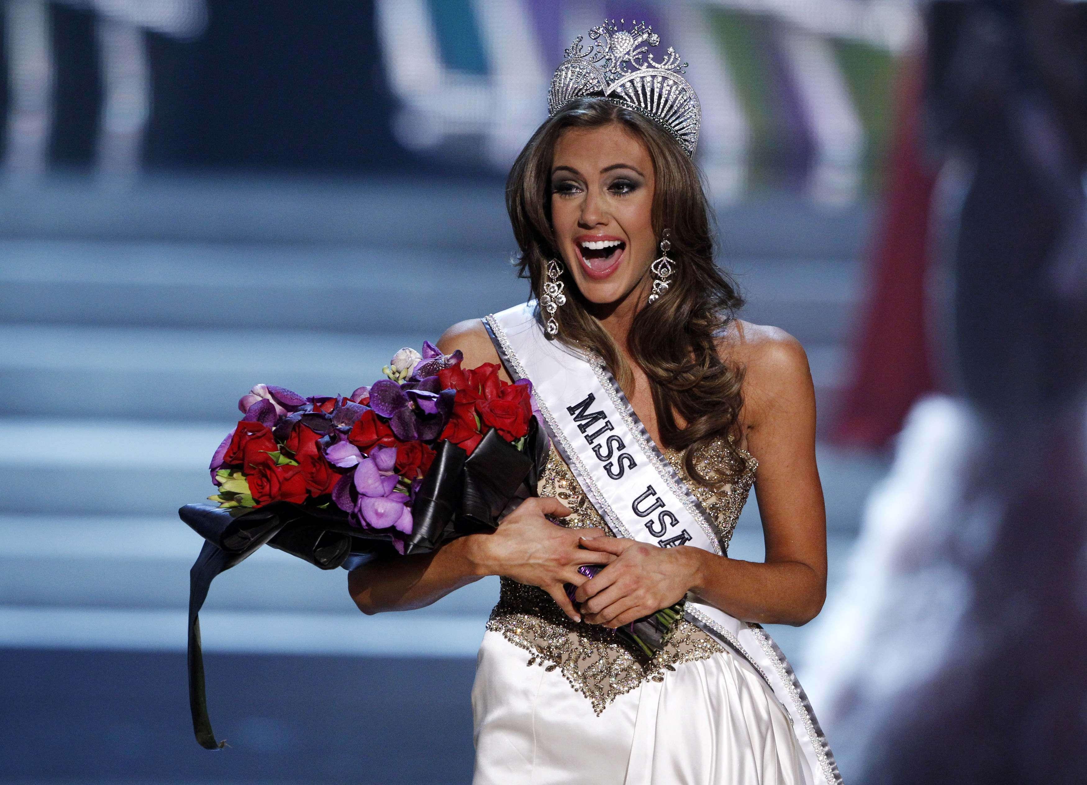 Aos 25 anos, representante de Connecticut é coroada Miss EUA