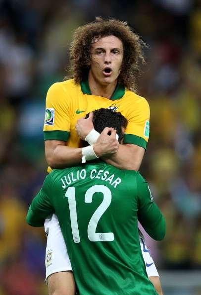 """David Luiz revela que evitó el gol porque es """"fan"""" de Pedro"""