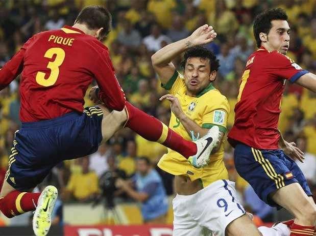 Arbeloa y Piqué no recogieron la medalla de subcampeones