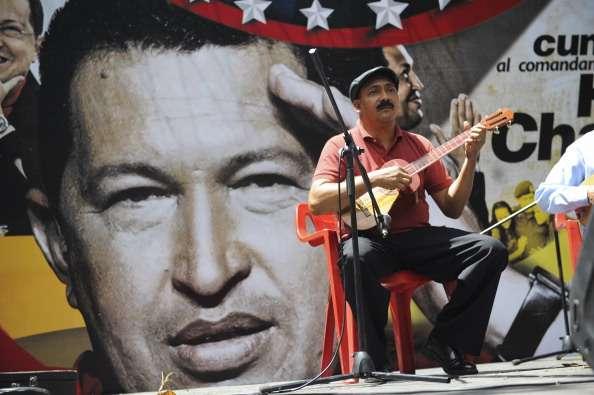 Celebran el primer cumpleaños de Chávez con Maduro al poder