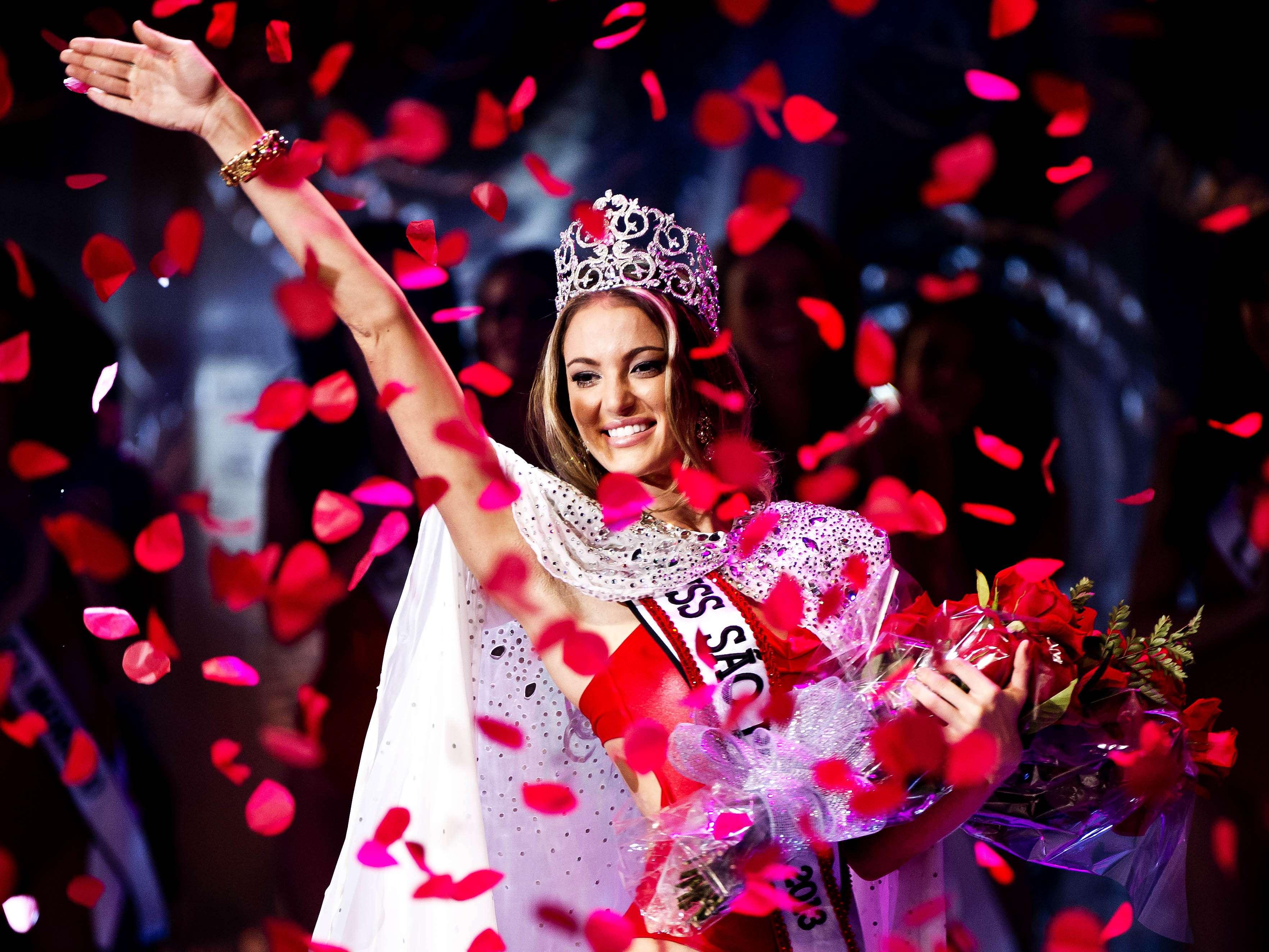 Bruna Michels, a candidata de Diadema, foi a vencedora do Miss São Paulo 2013, evento realizado na noite deste sábado (17) Foto: Bruno Santos/Terra
