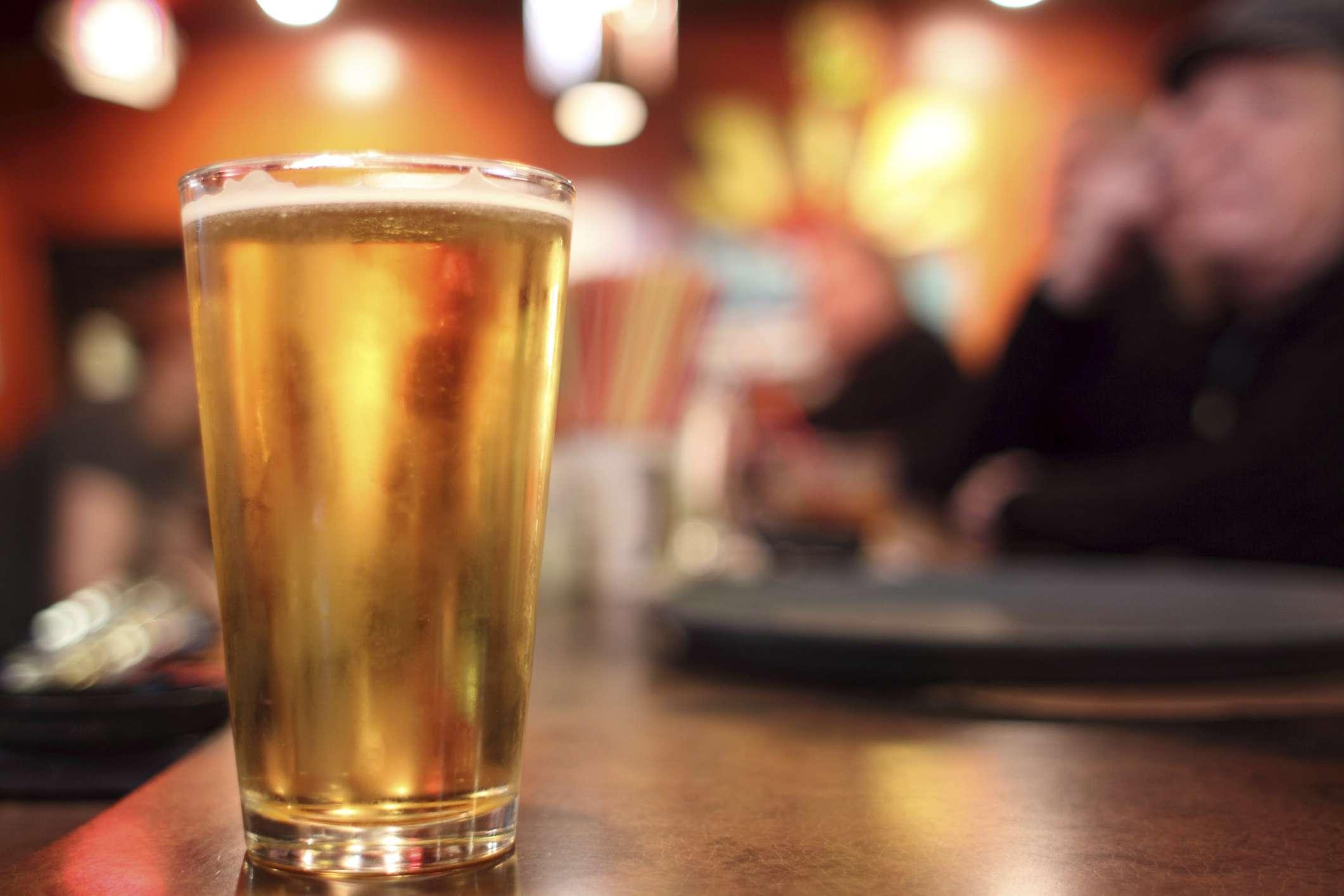 Sem ressaca: cientistas criam cerveja que evita desidratação