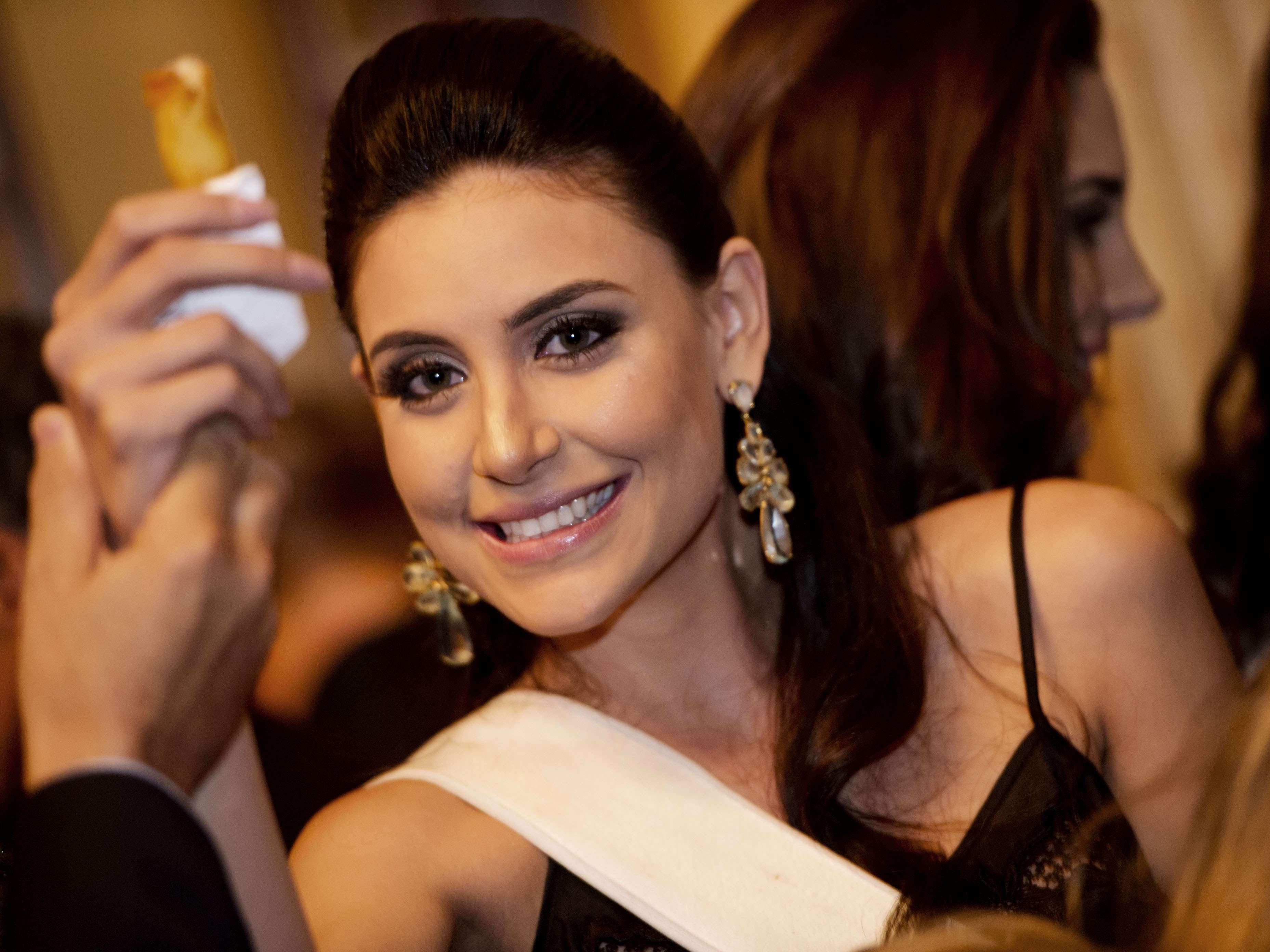 As 27 candidatas ao título de Miss Brasil 2013 estiveram no Palácio da Liberdade, na noite dessa quarta-feira (25), onde foram recebidas pelo governador de Minas Gerais, Antônio Anastasia Foto: Bruno Santos/Terra