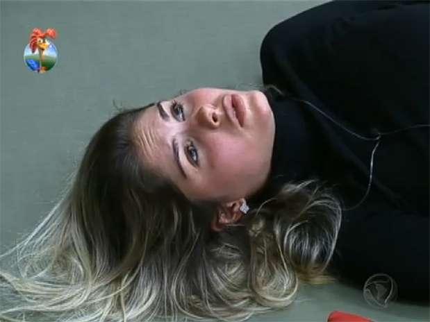 """Bárbara disse para Gominho que o povo sabe que Denise não é """"coitadinha"""" Foto: TV Record/Reprodução"""