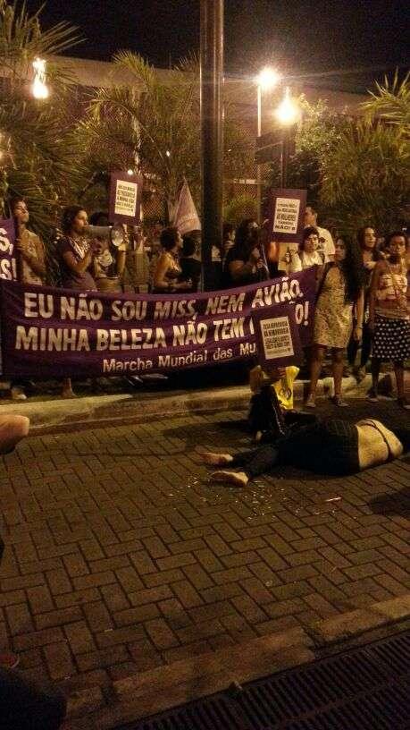Protesto hostilizou convidados do Miss Brasil Foto: Nathália Salvado/Terra
